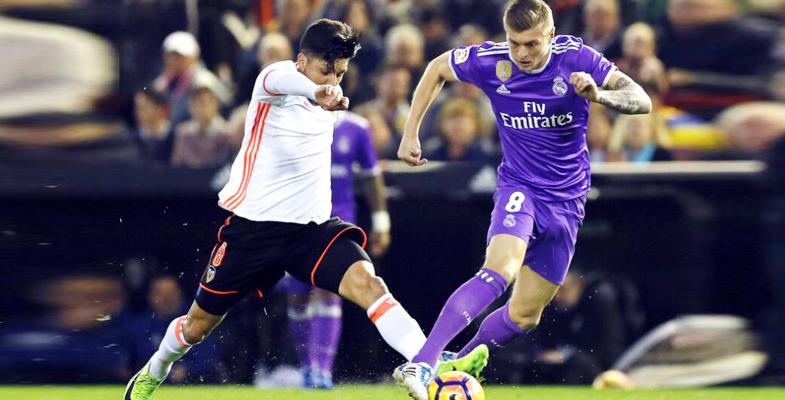 西甲第16轮:皇家马德里客场对阵瓦伦西亚(组图)