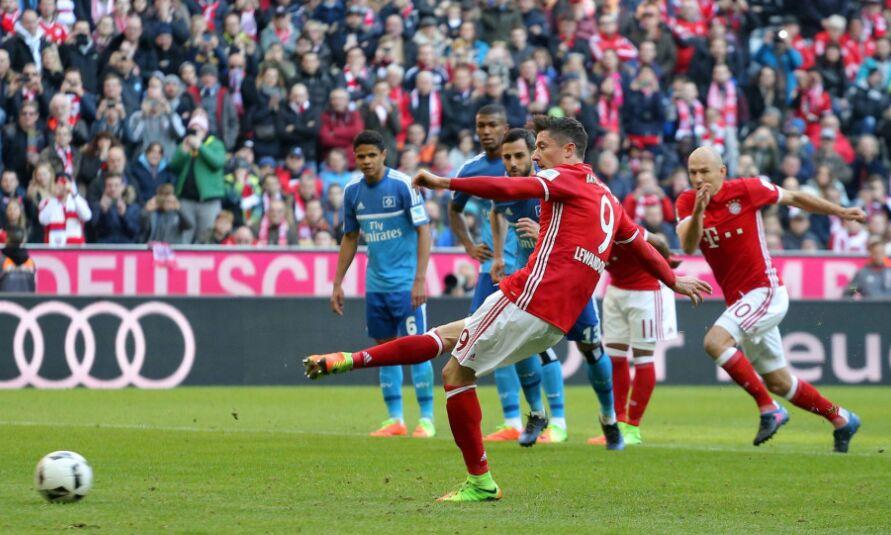 德甲第22轮较量:拜仁主场8比0横扫汉堡(组图)