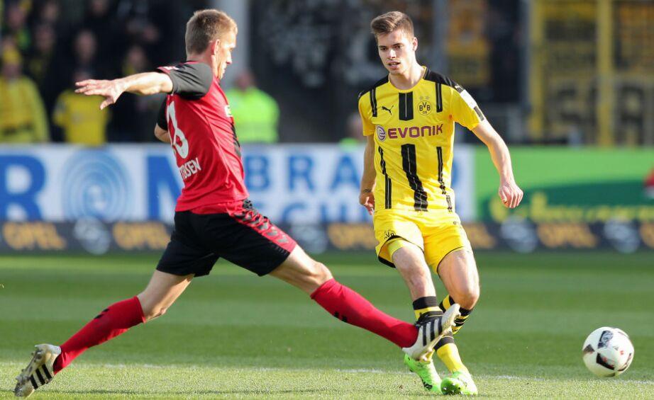 德甲第22轮:多特蒙德客场3比0完胜弗赖堡(组图)