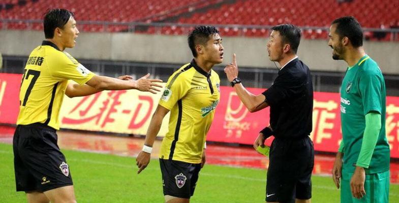中甲联赛首轮:杭州绿城队VS呼和浩特中优(图)