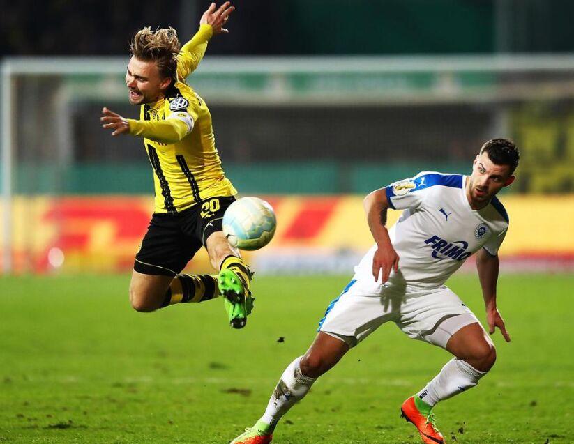 德国杯决赛:多特蒙德客场3比0淘汰丙级队洛特(图)