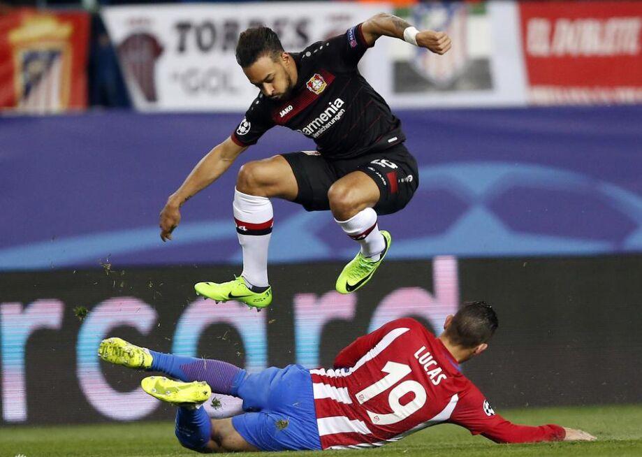 欧冠1/8决赛:马德里竞技主场0比0战平勒沃库森(图)