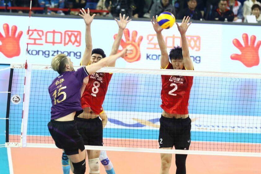 2017年男排联赛总决赛第三场精彩瞬间上海领先