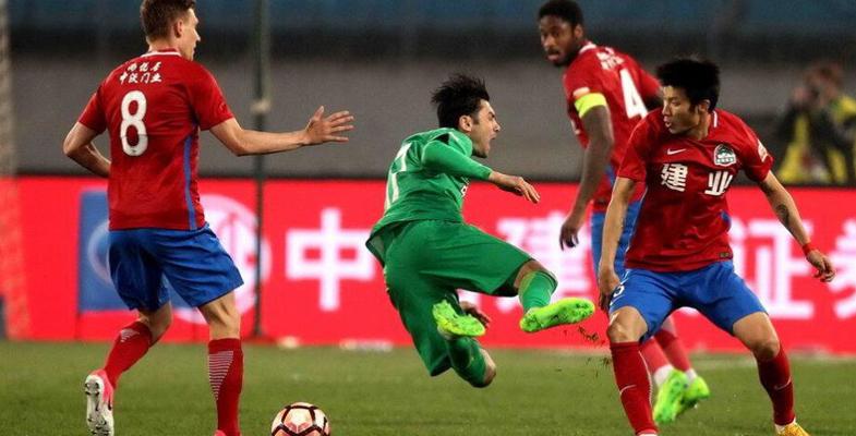 中超联赛第4轮:北京国安队1-0河南建业(组图)