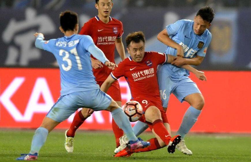中超联赛第4轮:江苏苏宁队1-2重庆力帆队(组图)