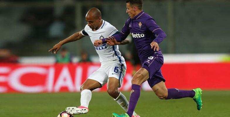 意甲第33轮:国际米兰队客场4比5负于佛罗伦萨(图)