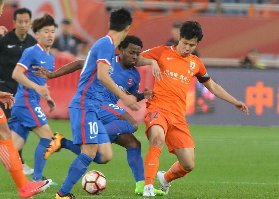 中超联赛第6轮:山东鲁能主场1-1战平重庆力帆
