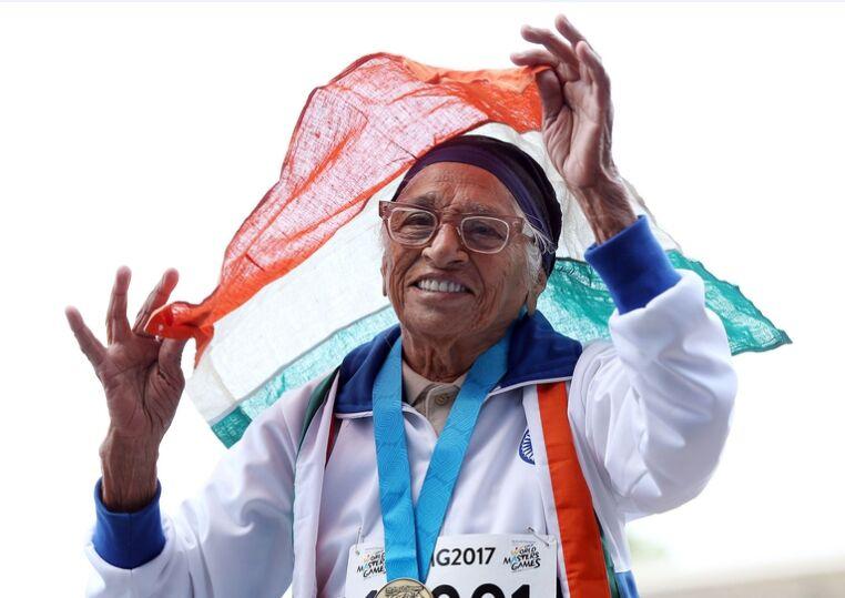 101岁老太考尔参加世界大师运动会百米赛跑值得赞!