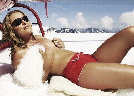 全球百人榜晚宴 高山滑雪女神丰满身材性感不减(图)