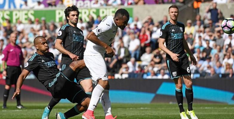 英超比赛瞬间:西布朗1-2遭斯旺西逆转(组图)