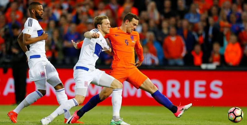 世预赛:荷兰5-0卢森堡(组图)