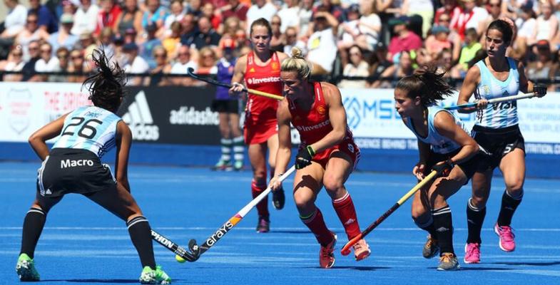 女子曲棍球比赛:英格兰女曲VS阿根廷女曲(组图)