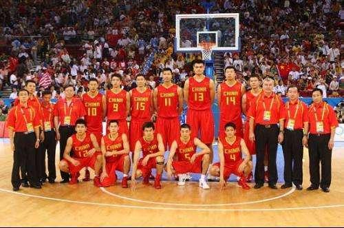 8年的中国男篮有多强? 比赛前十五分钟, 他们与美国梦八队战成了29平! -