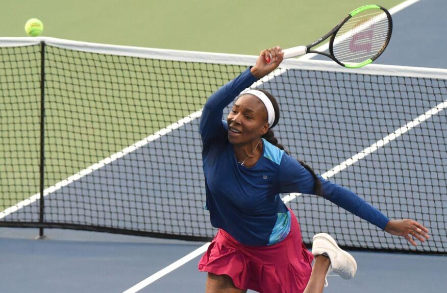 WTA罗杰斯杯女单首轮:大威廉姆斯2-1贝古(图)
