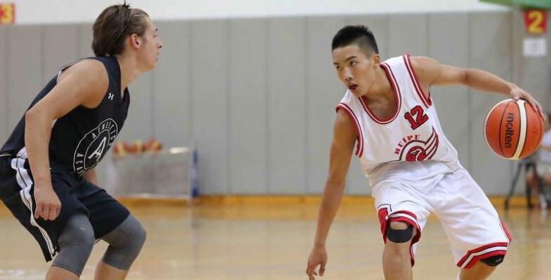 篮球友谊赛:浙江回浦中学对阵美国高中明星联队