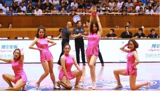 河北翔蓝vs国立汽服 啦啦队美女激情热舞助威