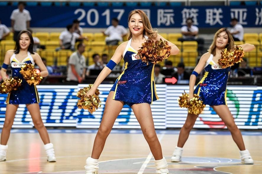 篮球宝贝热舞助阵亚洲篮球俱乐部冠军杯小组赛