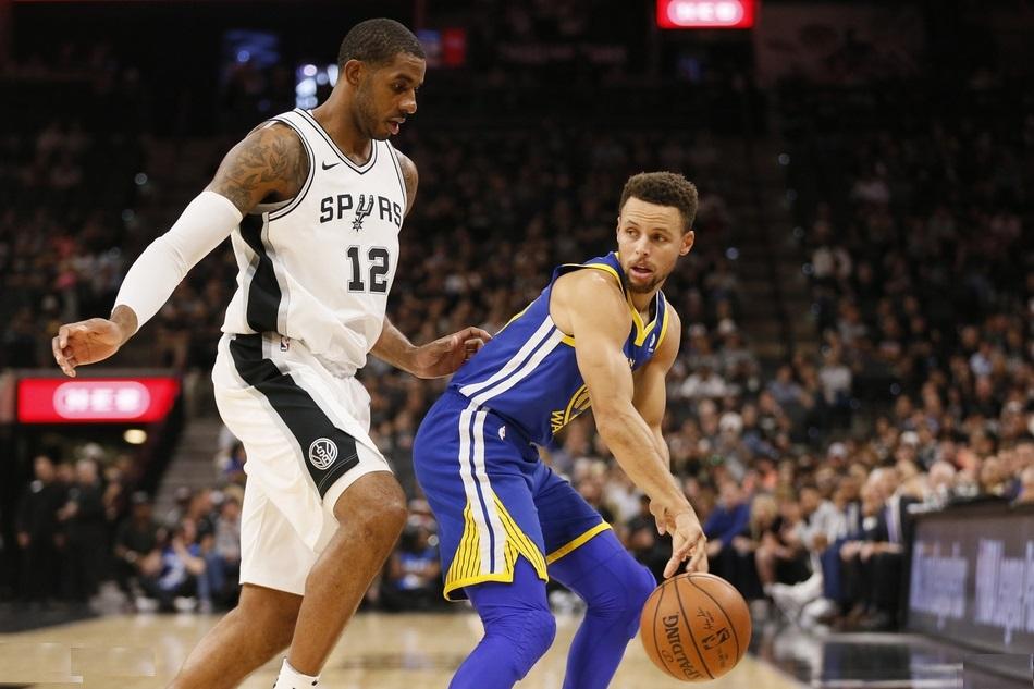 NBA-三巨头72分勇士送马刺4连败