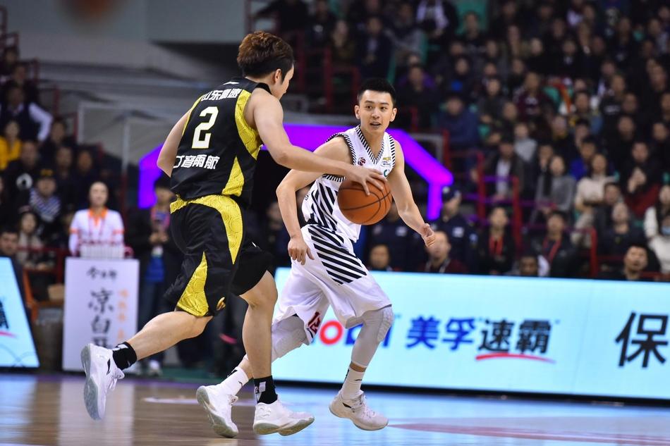CBA第7轮:辽宁97-95山东