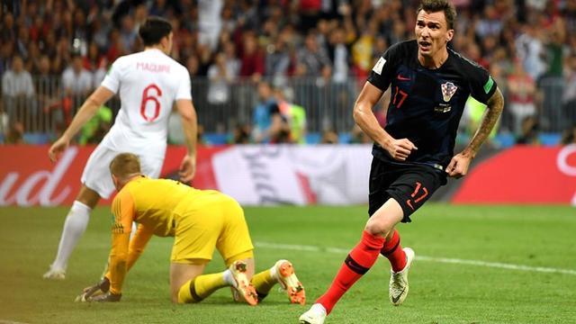 世界杯-克罗地亚加时赛2-1逆转英格兰进决赛 曼朱基奇109分钟绝杀