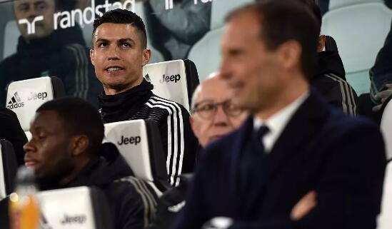当C罗坐上看台等待意甲首冠的时候,他的心里也许只有欧冠! -