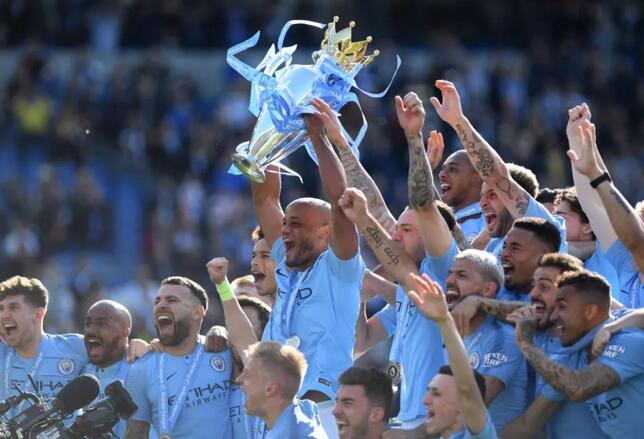曼城夺得本赛季英超冠军,10年来首次有球队实现卫冕