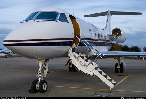 现在梅威瑟拥有两架私人飞机——分别叫梅威瑟1号,梅威瑟2号.
