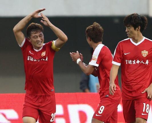中国杯当红国脚中卫 近亿转会费投奔中甲土豪 剑指冲超!
