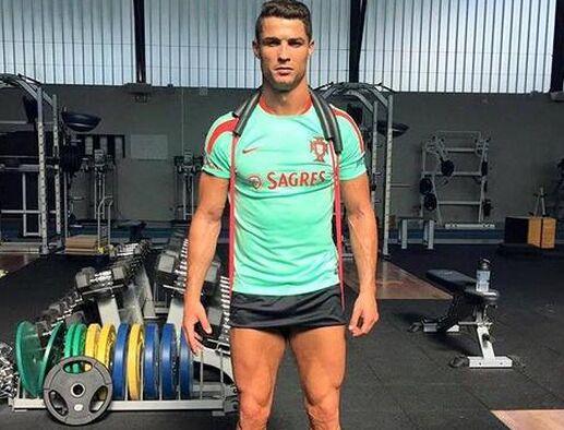 超低体脂:C罗苦练肌肉 腿部魔鬼肌发达