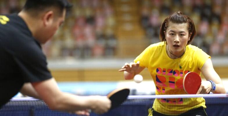 国家乒乓球队在卢森堡进行赛前针对性训练