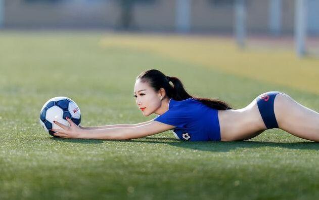 谁是你心中最美的足球宝贝呢?足球宝贝图集